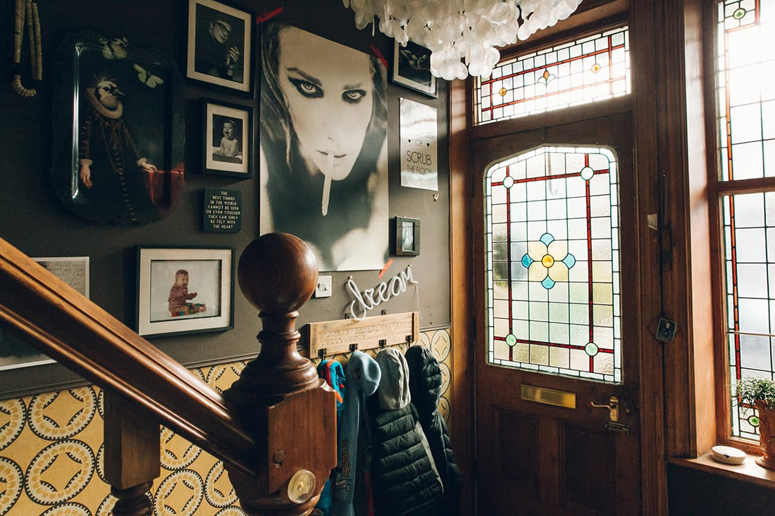 Wall Around the World: A Gallery Wall Series by Little Gold Pixel •Part 2: Maximalist Gallery Walls in the UK • All photos ©Nicola Broughton
