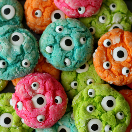 Monster Cookies • 13 Halloween Party Recipes • Little Gold Pixel via lilluna.com