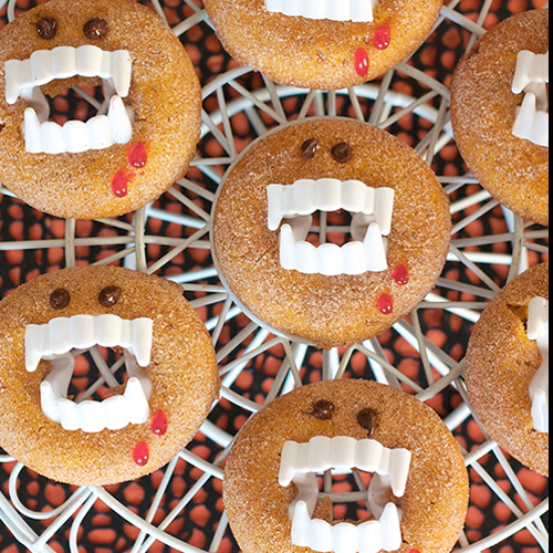 Vampire Doughnuts • 13 Halloween Party Recipes • Little Gold Pixel via ericassweettooth.com